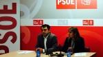 Los procuradores socialistas sorianos, Esther Pérez y Javier Muñoz, en rueda de prensa